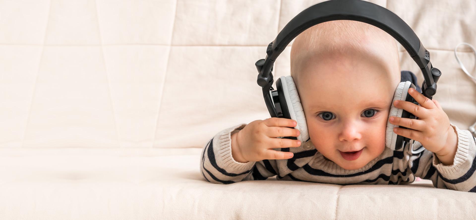 Baby, Home, Kopfhörer